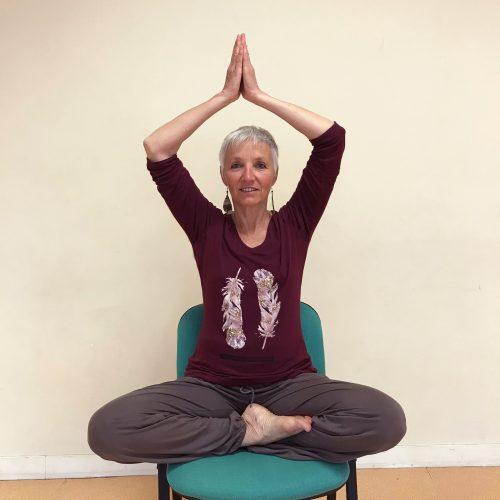 Portrait de professeure de yoga